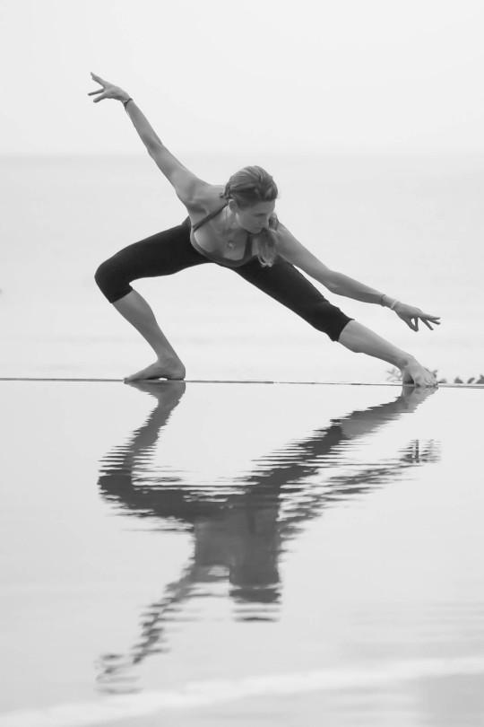 jennifer-macniven-photography-portfolio-yoga-janet-stone-3