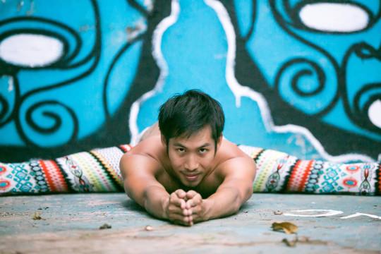 jennifer-macniven-photography-portfolio-yoga-kevin-yeechan-2